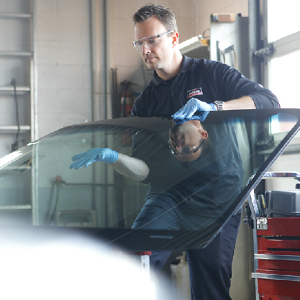 Speedy Glass Windshield Replacement professional expert vehicle glass repair